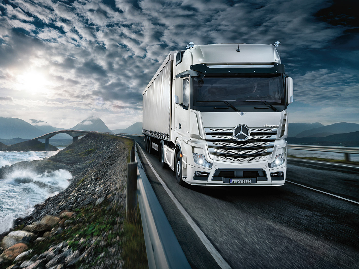 mercedes-benz-actros-wallpapers-32392-5270181