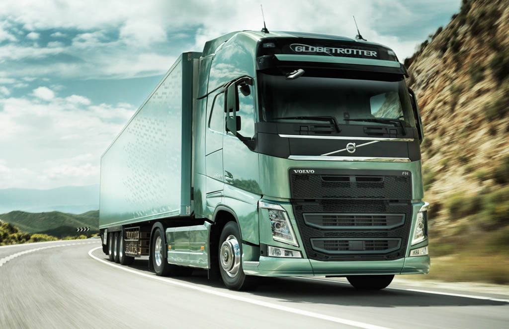 volvo-fh-globetrotter-front-three-quarters-view